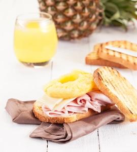 ananas schaelen und schneiden