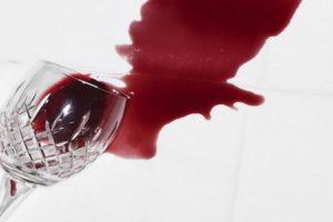 rotweinflecken entfernen hausmittel