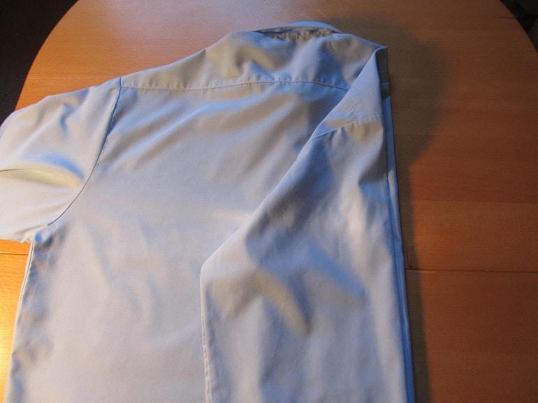 Aermel vom Hemd umklappen