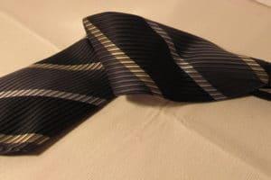 Krawatte reinigen