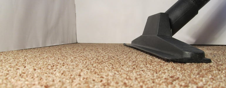 ᐅ Den Teppich reinigen - mit diesen Tipps gelingt es!