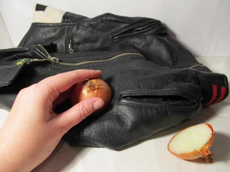 Wasserflecken von Jacken entfernen
