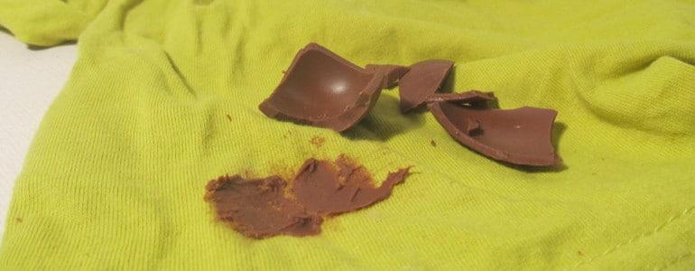frische Schokolade aus Kleidung entfernen